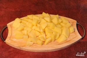 Говядина, тушенная с черносливом и картофелем - фото шаг 2