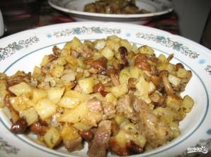 Картошка со свининой и грибами на сковороде - фото шаг 5