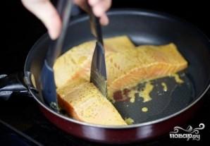 Жареный лосось - фото шаг 7