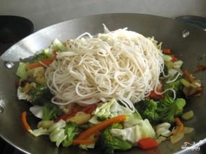 Лапша с овощами по-китайски - фото шаг 10