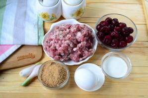 Фрикадельки с вишневым соусом - фото шаг 1