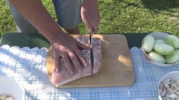 Свиная корейка с луком в казане - фото шаг 1