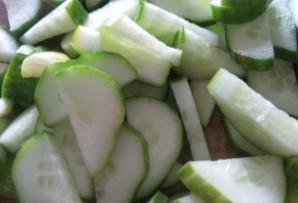 Салат из огурцов на зиму без закатки - фото шаг 1