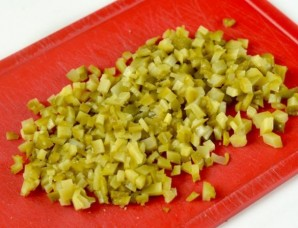 Салат с сухариками и ветчиной - фото шаг 3