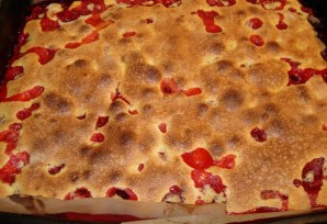 Быстрый пирог с клубникой - фото шаг 6