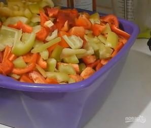 Рецепт лечо на зиму с томатной пастой - фото шаг 2