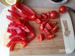 Салат с тунцом и сметанной заправкой - фото шаг 4
