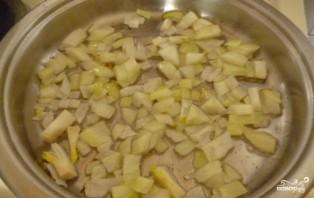 Салат с маринованными шампиньонами - фото шаг 4