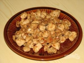 Салат из курицы и ананасов - фото шаг 2