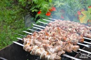 Сочный шашлык из свинины - фото шаг 5