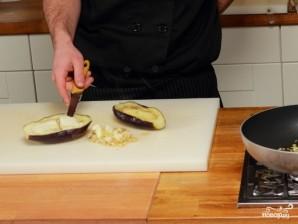 Баклажаны, фаршированные помидорами и сыром - фото шаг 2