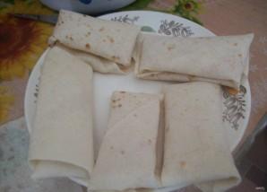 Конвертики из лаваша с ветчиной и сыром - фото шаг 4