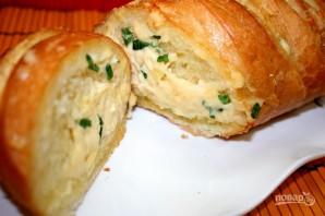 Запеченный батон с сыром и чесноком - фото шаг 6