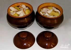 Картофель, запеченный с салом в горшочках - фото шаг 4
