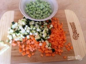 Картофельно-рыбные котлеты с овощами в духовке - фото шаг 1