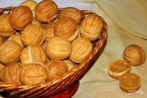 Орешки со сгущенкой классические - фото шаг 7