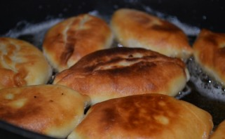 Пирожки на сухих дрожжах - фото шаг 6