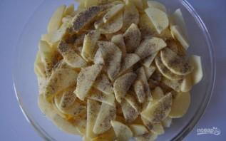 Картофель, запеченный в сметане - фото шаг 2