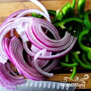 Макароны с курицей и овощами - фото шаг 2