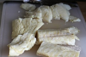 Треска под сливочным соусом в духовке - фото шаг 1