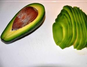 Салат с копчеными мидиями - фото шаг 1