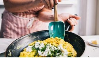 Французский омлет с сыром - фото шаг 5
