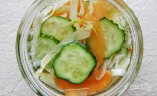 Салат из капусты и огурцов на зиму - фото шаг 7