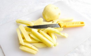 Картофель фри на сковороде - фото шаг 1