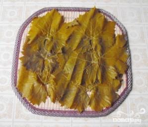 Роллы с виноградными листьями - фото шаг 1