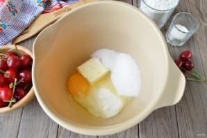 Кекс с вишней на сметане - фото шаг 2