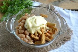 Салат с фасолью и сухариками - фото шаг 4