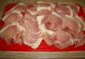 Свинина в сметанном соусе - фото шаг 2