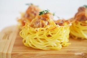 Кексики из спагетти с фрикадельками - фото шаг 6