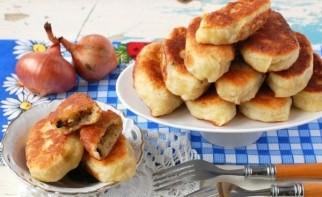 Пирожки с грибами и картошкой жареные - фото шаг 10