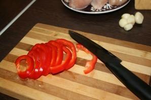 Куриные грудки в сметанном соусе - фото шаг 3