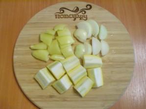 Овощи в духовке под соусом - фото шаг 2