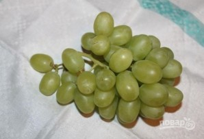 Салат с виноградом и сыром - фото шаг 1