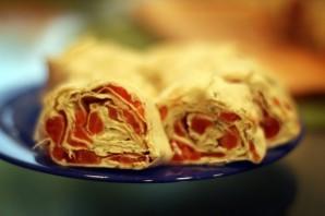 Рулетики из плавленого сыра - фото шаг 4