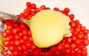 Варенье из рябины с медом - фото шаг 3