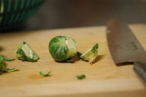 Тушеная брюссельская капуста - фото шаг 1