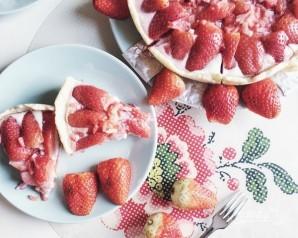 Пирог с клубникой в мультиварке - фото шаг 13