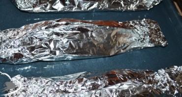 Селёдка в фольге в духовке - фото шаг 3