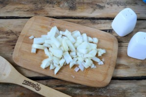 Сырный суп с брокколи в булочках - фото шаг 2