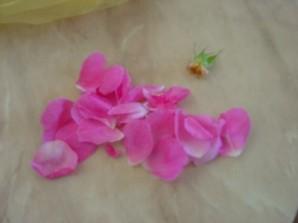 Розовое варенье - фото шаг 2
