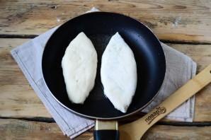 Пирожки со сливой на сковороде - фото шаг 8