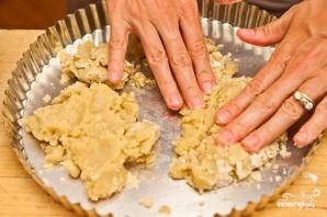 Песочный пирог с персиками - фото шаг 5