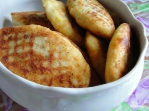 Картофельные котлеты с начинкой - фото шаг 8
