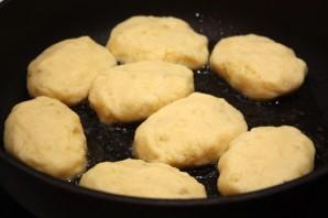 Картофельные котлеты из пюре - фото шаг 3