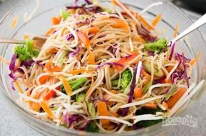 Салат с китайской лапшой - фото шаг 7