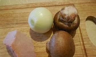 Котлеты с грибами в духовке - фото шаг 1